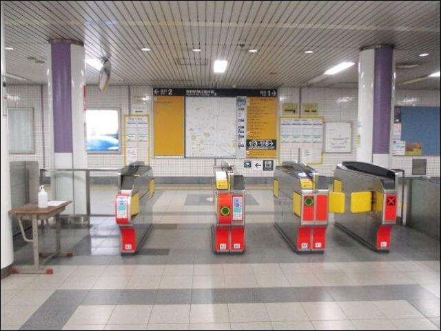 京都市営地下鉄 東西線の東野駅の改札口