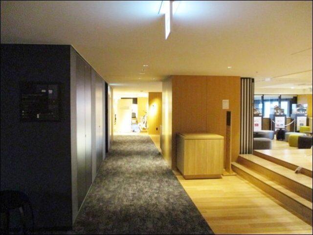 梅小路ポテル京都の2階の廊下