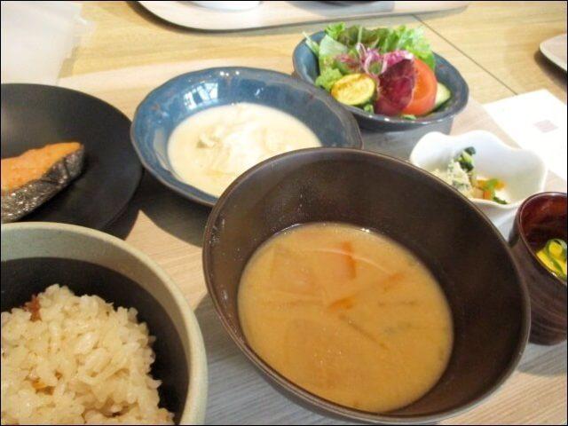 梅小路ポテル京都のレストランの朝食