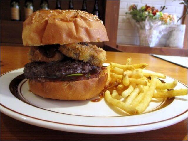 【オルバーガー京都】<蓮根フライと九条葱バーガー>を食べる