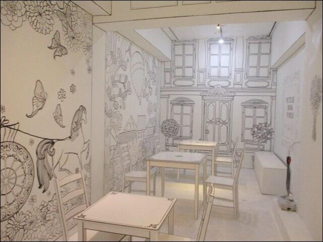 インクカフェのモノクロ世界の奥の部屋