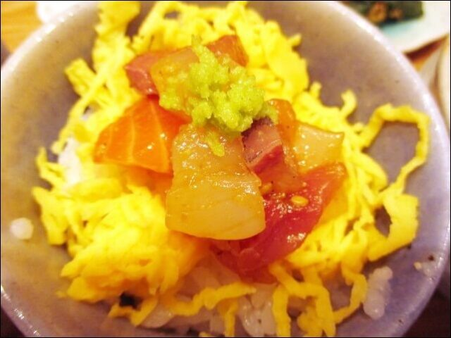 コトワリの<3種丼プレート>漬け海鮮丼