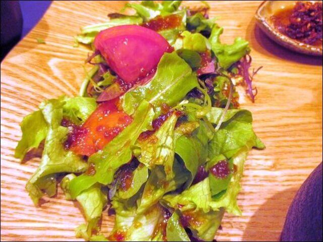 コトワリの<3種丼プレート>サラダ